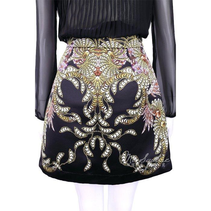 米蘭廣場 CLASS roberto cavalli 黑色印花圖騰緞面短裙 1620488-01