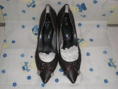 ☆甜甜妞妞小舖 ☆ 品牌  ASIN ANN  黑色真皮女鞋--尖頭高跟包鞋--35號