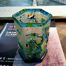 【藏家釋出】早期收藏 ◎ 松鶴套料六角筆筒 ◎ 色彩豔麗,作工細緻,絕佳文房寶-168