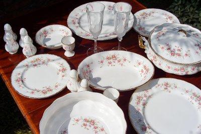 【旭鑫骨瓷】Paragon - Victoriana Rose晚餐系列 維多利亞玫瑰 (D.29/D.30)