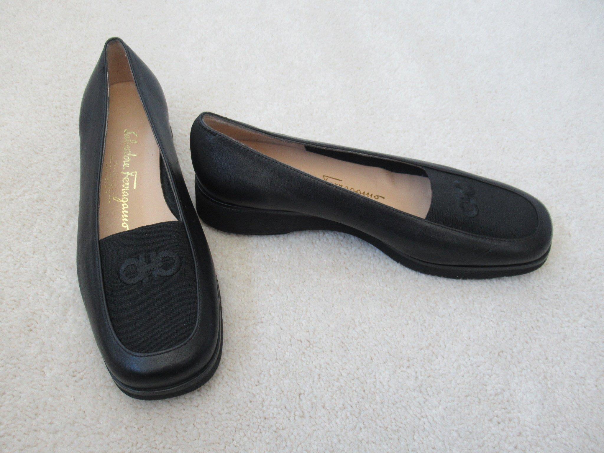 二手近全新【Salvatore Ferragamo】SFlogo柔軟真皮彈力布 #5.5C/22.5腳黑色義大利製休閒鞋