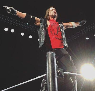 [美國瘋潮]正版 WWE AJ Styles Untouchable Red Tee 觸不可及AJ紅色款衣服熱賣中