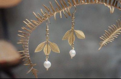 Pinkoi 台灣設計師手工耳環 Crystal 小鉗子工作室 珍珠三葉夾式耳環
