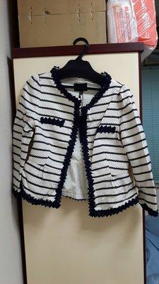 Le polka 小香奈兒風格 白底深藍條紋外套,原價2780元,特價1000元類似銀穗,巧帛,0918,,iroo,MIMA