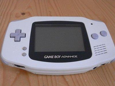 【小蕙館】電玩主機 ~ GAME BOY Advance (白色) 再隨機附贈2片遊戲