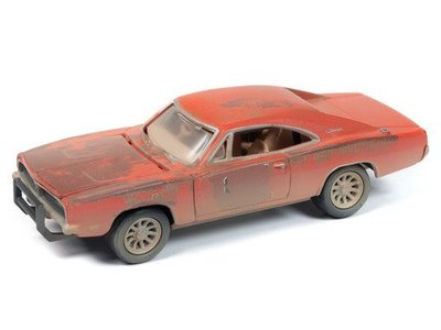 JL-183 Johnny Lighting- 1969 Dodge Charger with resin diorama