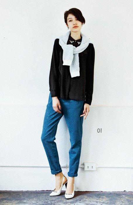 iedit 凛とした大人スタイルがかなう  低調的華麗 精緻立體浮雕花紋 修身窄管褲 (現貨款特價) 只有小碼
