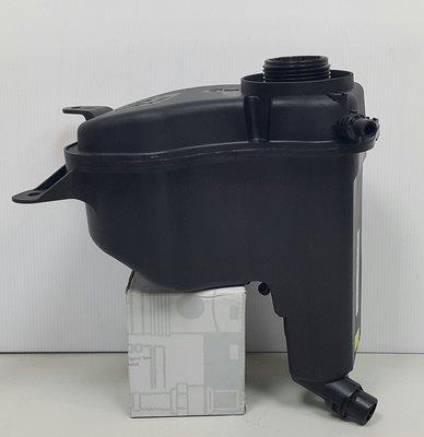 BMW E90 E91 E92 E93 05-10 副水桶 副水箱 備水桶 水箱 (OEM廠製) 17137640514