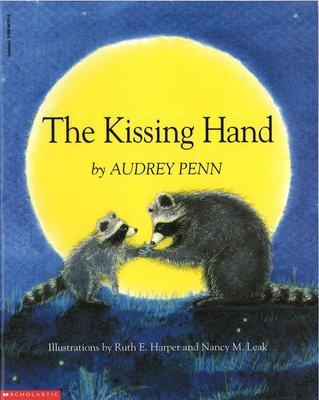 *小貝比的家*THE KISSING HAND(魔法親親)/平裝書/3~6歲[汪培珽英文書單]《母親節》