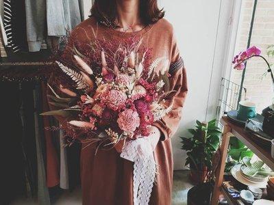 D41。粉紫色系乾燥捧花。拍照捧花。客製新娘捧花。台北自取【Flower&House花藝之家】