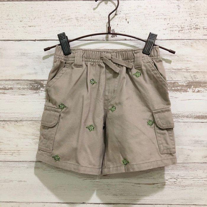 Maple麋鹿小舖 美國購買童裝品牌 GYMBOREE 卡其色烏龜圖樣短褲 * ( 現貨18-24 mos )