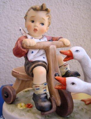 """@寶瓏閣@ M.J Hummel 德國 喜姆瓷偶 """"男孩與雙鵝"""" 超可愛 !!! ~本件可抵五倍券5000元~"""