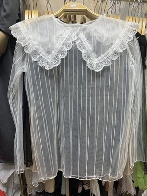 甜美風蕾絲娃娃領網紗內搭上衣白色款