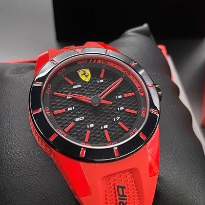 FERRARI法拉利男女通用錶,編號FE00018,38mm黑圓形塑膠錶殼,黑色三眼, 運動錶面,紅色矽膠錶帶款