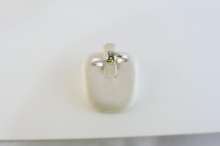 [吉宏精品交流中心]23分 天然鑽石 白K金 八心八箭 戒指