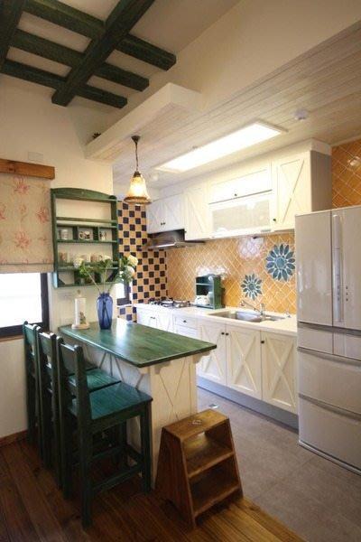 原木工坊~免費室內設計規畫  歐風雙色中島櫃