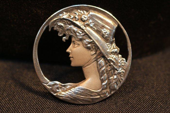 【家與收藏】稀有珍藏法國百年古董法國精緻優雅Art Nouveau新藝術仕女珠寶純銀雙色浮雕胸針