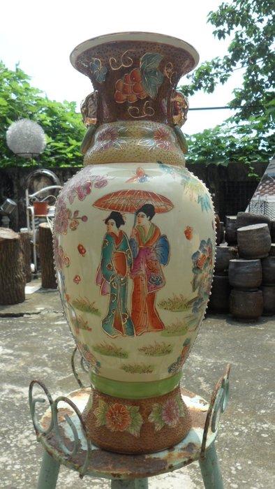 紫色小館14-------早期印尼手工彩繪花瓶
