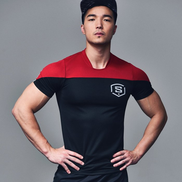 【OTOKO Men's Boutique】固制:美式足球風格排汗運動短袖/黑色(台灣獨家代理)