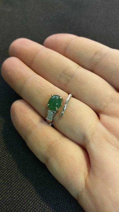 天然緬甸翡翠A貨~翡翠綠蛋面戒指-竹節造型
