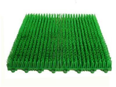 人工草皮拼裝式組合草皮拼接草皮DIY人造草門墊 拼裝草DIY組合塑膠草 假草 短草 止滑板防滑板排水板 高雄市