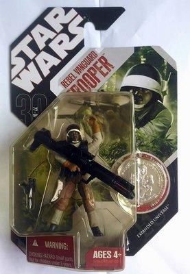 全新未拆!可動3.5吋+銀幣-星際大戰-Star Wars-30週年吊卡-53-反抗軍-附大小槍枝-Rebel Troo