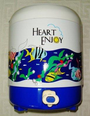 購自日本 PORTABLE COOLER 6.9 LITER飲料桶 茶桶 冰捅(建議面交)