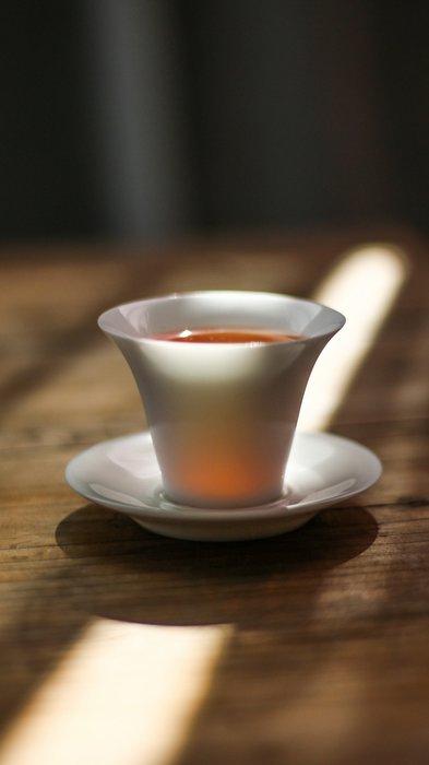 【茶嶺古道】高透光反口馬蹄杯 / 反口 馬蹄 瓷器 茶杯 品茗杯 白杯 薄胎 白瓷