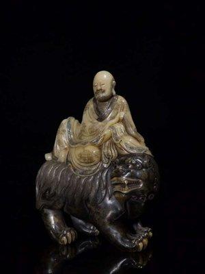 【三顧茅廬 】日本拍賣會回流品 國寶壽山石精品擺件--- 老性芙蓉石『羅漢』