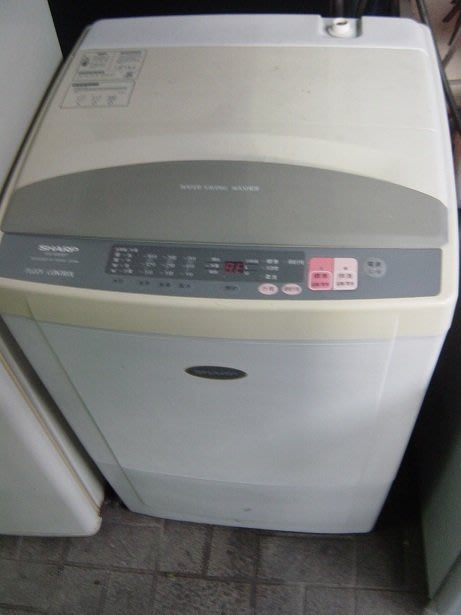 夏普10kg 全自動洗衣機七成新 3500 含運 保固  破盤價