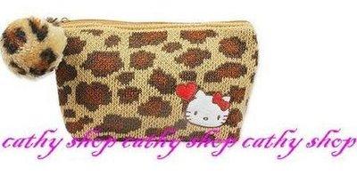 *凱西小舖*日本進口三麗歐正版KITTY凱蒂貓暖冬系列隨身收納/化妝包(S)