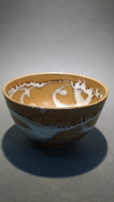 ☆清沁苑☆日本茶道具~在銘 日本職人手作 古い栗色白紋釉茶碗~d554//特價品//