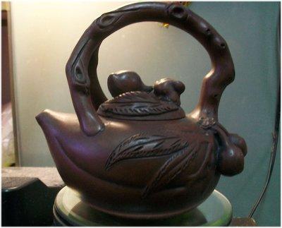紫砂壺 桃形提樑壺 款張荷娣