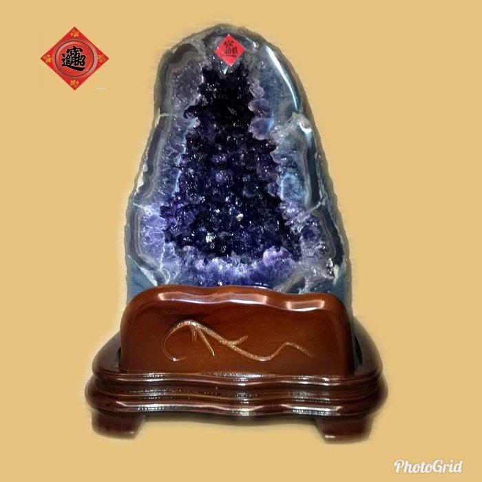 🏆【1688 精品】🏆烏拉圭Esp級直立式紫晶洞,重-9.1kg、寬-18cm、高-30cm、洞深-6cm