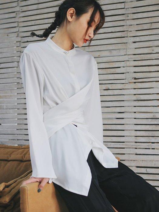 Dark.Q DQ 交叉設計黑白襯衫