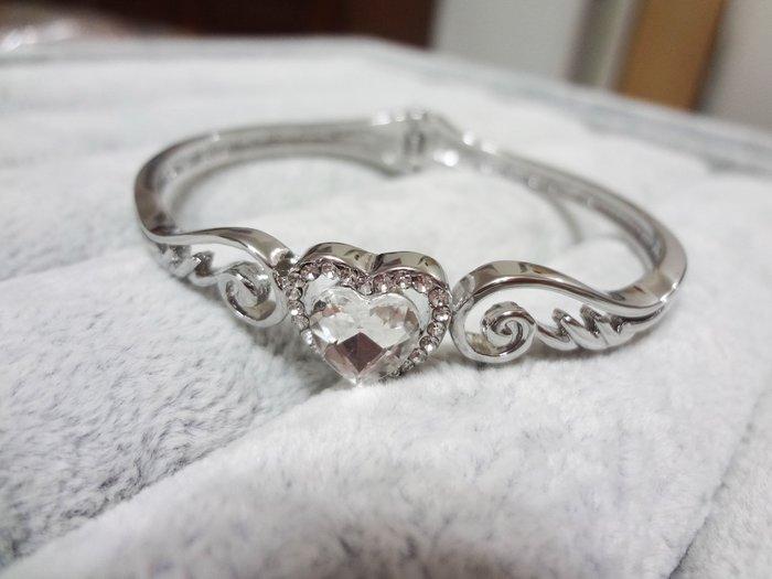 【Love Trina】8188-0211 銀色翅膀愛心亮鑽手環。彈性手環--(銀色)