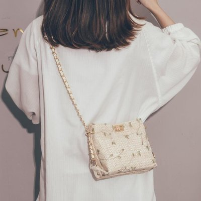 草編小包包女2019新款洋氣少女蕾絲鏈條斜挎包仙女百搭編織水桶包