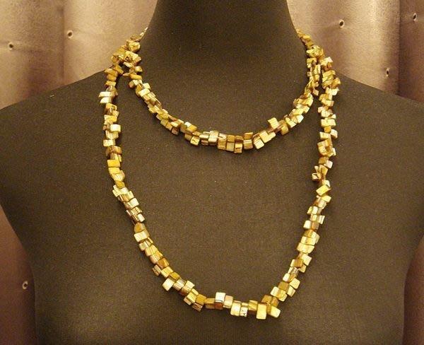 全新 閃亮棕色珍珠母貝造型項鍊,可當手鍊喔!亦有條同款他色項鍊,低價起標無底價!本商品免運費!