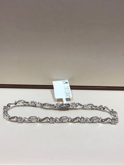 72分天然鑽石手鍊,出清特賣商品只有一條35800,手鍊厚實不怕斷安全扣設計,優雅款式適合平時配戴