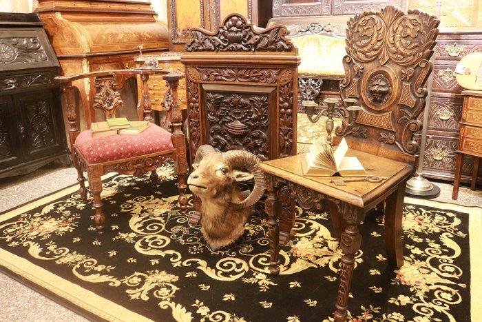 【家與收藏】特價稀有珍藏歐洲百年古董18世紀英國古堡莊園精緻手工木雕祥獸古典老橡木椅