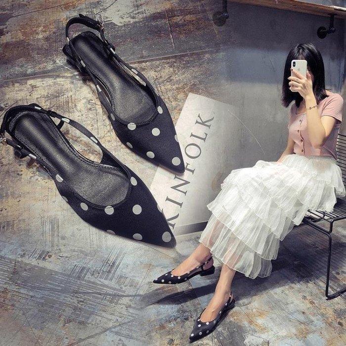 米可GO☞免運潮潮新款一字帶尖頭涼鞋女(2色)低跟網紅波點平底包頭晚晚鞋MI8KO