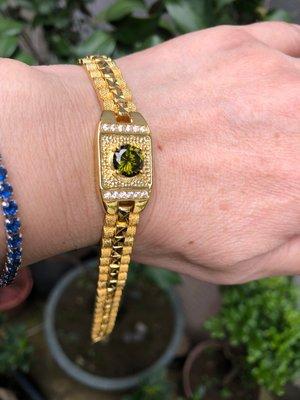 金錶型手鍊  鋼混K材質 很像金  不易褪色  像手錶可改手圍大小  超值分享價  又漂亮