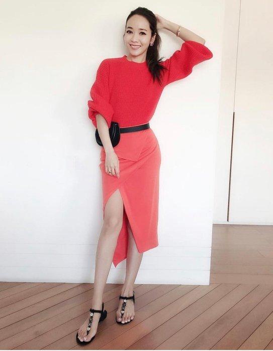 [我是寶琪]  侯佩岑二手商品LILY LOVES針織毛衣+FINDERS長裙