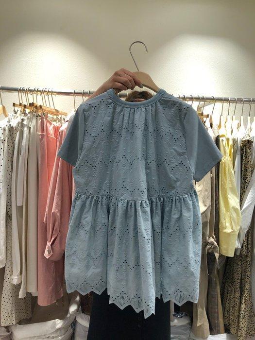 創意夏季服飾 蕾絲衫  T恤韓國東大門后背鏤空蕾絲拼接短袖T恤女夏新款小心機娃娃上衣