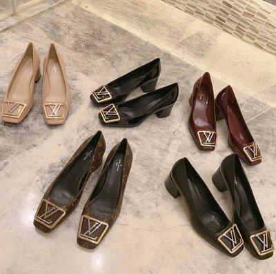 ✤寵愛Pamper for you✤Louis Vuitton 方扣淺口方頭粗跟鞋