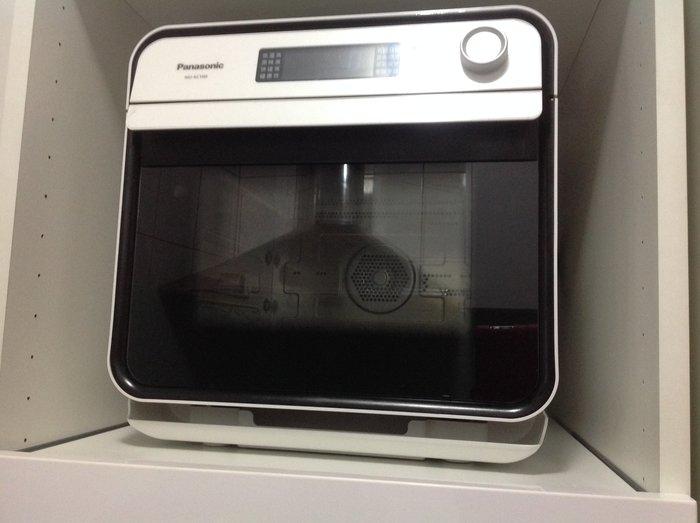 6900賠售出清價Panasonic國際牌 蒸氣烘烤爐 nu-sc100原廠公司貨附產品保證書及食譜,因要搬家出清價售出