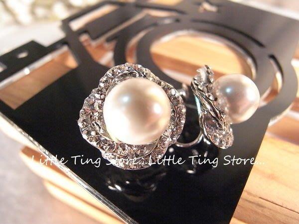 Little Ting Store:母親節禮物SWAROVSKI 立體簍空山茶花白珍珠水鑽耳環貼耳飾螺旋夾式耳環