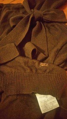 Burberry 咖啡色毛料% 38 實品顏色接近圖一 ''7''