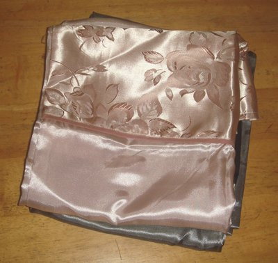 ==YvH==PillowCase Silk 玫瑰提花 人造絲緞信封型薄枕套1個 全絲緞 一般枕心用 (現貨)