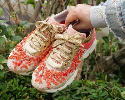 Rene Caovilla Beaded Lace & Leather Sneaker 手工蕾絲鑲珊瑚 休閒鞋 現貨